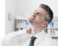 Sintomas da dor de pescoço Fotografia de Stock