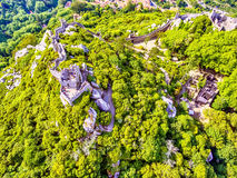 Sintra, Portugal: aerial top view of the Castle of the Moors, Castelo dos Mouros, located next to Lisbon. In spring Stock Photo