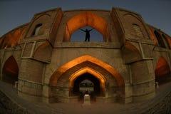 Sio seh波尔布特,在日落的Khajoo桥梁在Esfahan,伊朗 2016年9月14日 免版税图库摄影