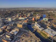 Sioux Falls är den största staden i tillståndet av South Dakota och den finansiella mitten arkivbilder