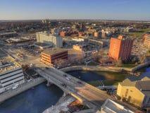 Sioux Falls ist die größte Stadt im Zustand von South Dakota und von Finanzzentrum Stockfotografie