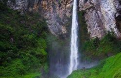 Sipisopiso瀑布,棉兰,印度尼西亚 免版税库存照片