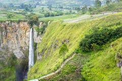Sipisopiso-Wasserfall Lizenzfreie Stockfotografie