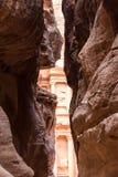 Siq en la entrada de la ciudad del Petra fotos de archivo libres de regalías