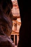 Siq en schatkist in Petra Stock Foto's