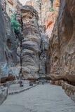 Siqbanan i nabatean stad av petra Jordanien Arkivfoton