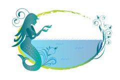 Sirène sur le logo de silhouette de plage illustration de vecteur