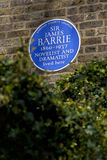 Sir James Barrie Blue Plaque i London Royaltyfria Bilder