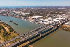Sir Leo Hielscher Bridges op Gatewayautosnelweg, Zuidelijk Brisbane, stock foto's
