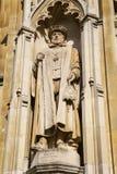Sir Nicholas Bacon Statue på corpuset Christi College Arkivfoton