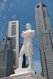 Sir Raffles statuę, Singapur obrazy royalty free