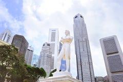Sir Tomas Stamford Raffles monument Arkivbilder