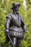 Sir Walter Raleigh Statue i Greenwich Arkivbilder