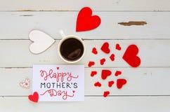 Sira de mãe à composição aérea do vintage do dia do ` s da nota com confissão do amor Fotografia de Stock Royalty Free