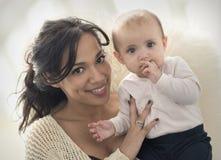 Mãe e bebê Imagem de Stock