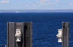 Sirene e Labrador distante Immagini Stock