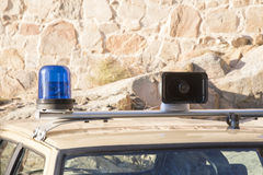 Sirene e luci di vecchio volante della polizia Fotografia Stock Libera da Diritti
