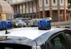 sirenes do carro de polícia durante um ponto de verificação do controle Imagem de Stock