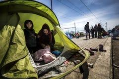 Sirian-Flüchtlinge blockiert in Idomeni Lizenzfreie Stockfotos