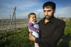 Sirian flyktingar som blockeras i Idomeni Royaltyfri Foto
