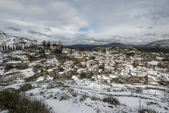 Sirince村庄,在雪下的Sirince村庄 免版税库存图片
