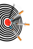 Siringa della sigaretta nell'obiettivo Fotografie Stock Libere da Diritti