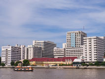 Siriraj hospital under blue sky. BANGKOK, THAILAND - SEPTEMBER 21, 2014: Siriraj hospital is the first hospital and medical shool in Thailand, placed at the West Stock Photography