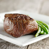 Sirloin steak with green beans Royalty Free Stock Image