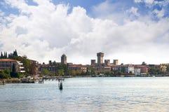 Sirmione na Jeziornym Gardzie w Północnym Włochy Zdjęcia Stock