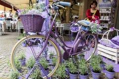 Sirmione, Włochy Okno sklep mydlarnia i duchy od lawendy Zdjęcia Royalty Free