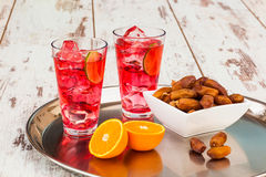Sirop et dates de Rooh Afza Photos stock