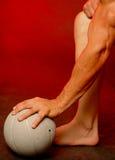 Sirva con la bola de los deportes Fotografía de archivo libre de regalías