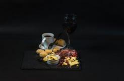 Sirva consistir en diversas clases de las carnes y de las salchichas, c francesa Foto de archivo libre de regalías