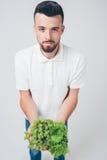 Sirva detener las ensaladas y la uva, cierre Concepto Aislado en blanco Foto de archivo