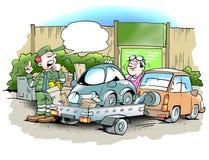 Sirva el pedazo su pequeño coche viejo en el centro de reciclaje Imágenes de archivo libres de regalías
