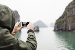 Sirva la fotografía del barco en bahía larga de la ha en Vietnam Fotografía de archivo libre de regalías