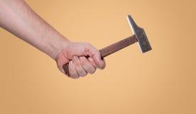 Sirva sostener un martillo en su mano y x28; path& x29 del recortes; Fotos de archivo