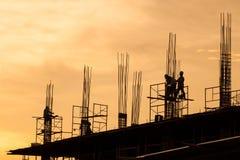 Sirve el trabajo durante puesta del sol Imagen de archivo