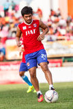 SISAKET TAILANDIA 21 DE JUNIO: Kroekrit Thaweekarn de Singhtarua FC Fotografía de archivo libre de regalías