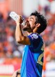 SISAKET TAILANDIA 21 DE JUNIO: Kroekrit Thaweekarn de Singhtarua FC Fotografía de archivo