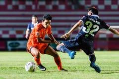 SISAKET TAILANDIA 21 de septiembre: Lar-tham de Tadpong de Sisaket FC Imágenes de archivo libres de regalías