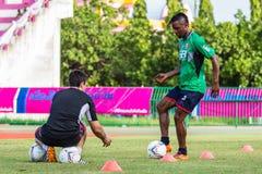 SISAKET THAILAND-AUGUST 3: Belix Kasongo av BEC Tero Sasana FC Royaltyfria Bilder