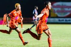 SISAKET THAILAND-AUGUST 3: Sarayuth Chaikamdee av Sisaket FC Royaltyfria Bilder