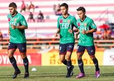 SISAKET 3 THAILAND-AUGUSTUS: Spelers van BEC Tero Sasana FC royalty-vrije stock foto