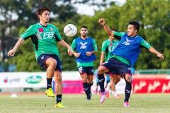 SISAKET 3 THAILAND-AUGUSTUS: Spelers van BEC Tero Sasana FC royalty-vrije stock afbeelding