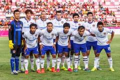 SISAKET 23 THAILAND-JULI: Spelers van Songkhla Utd stock afbeeldingen