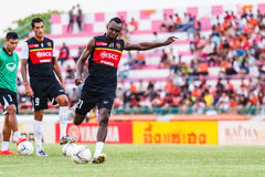 SISAKET THAILAND-JUNE 8: Dagno Siaka of Muangthong Utd. Royalty Free Stock Photos
