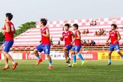 SISAKET 21 THAILAND-JUNI: Spelers van Singhtarua FC stock foto's