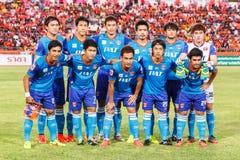 SISAKET 21 THAILAND-JUNI: Spelers van Singhtarua FC royalty-vrije stock afbeelding