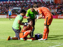 SISAKET THAILAND-MAG 21: Santirat viang-binnen van Sisaket FC (orang-oetan Royalty-vrije Stock Afbeelding